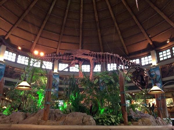 ディスカバリー・レストラン内の恐竜模型