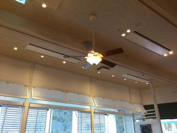 エッグシングス|ザ パーク フロント ホテル店の店内