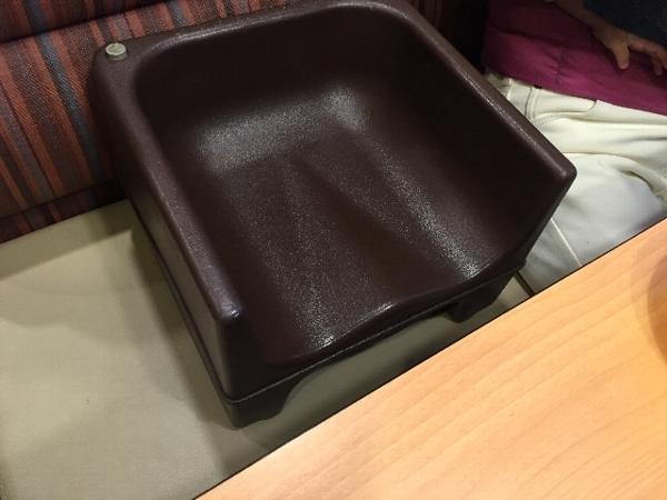 ガストの子供用の椅子