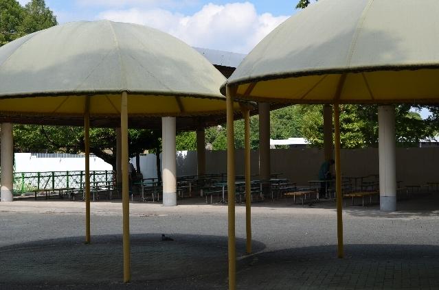 東山動物園の休憩場所