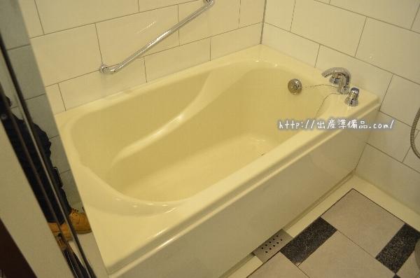 ユニバーサルポートホテルのスタンダードツインのお風呂