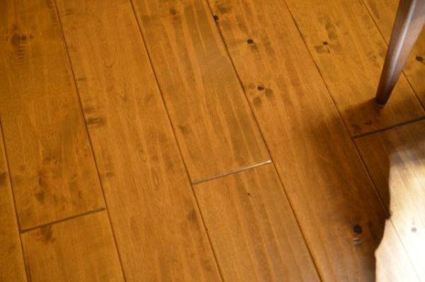 いにしえの宿 伊久のバリアフリールームの床