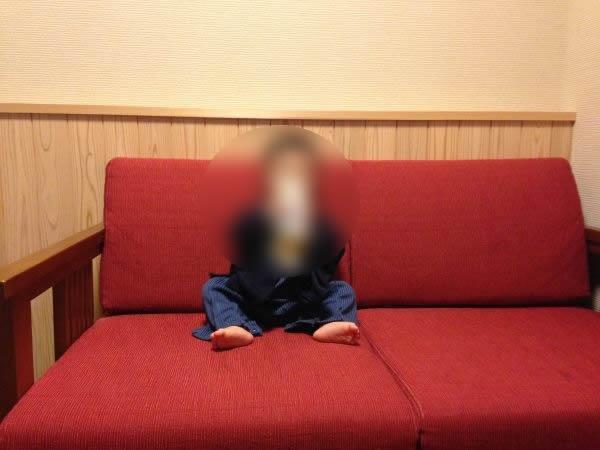 いにしえの宿 伊久のバリアフリールームのソファ