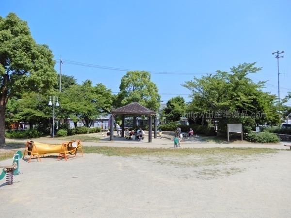 鳴子近隣公園の遊具