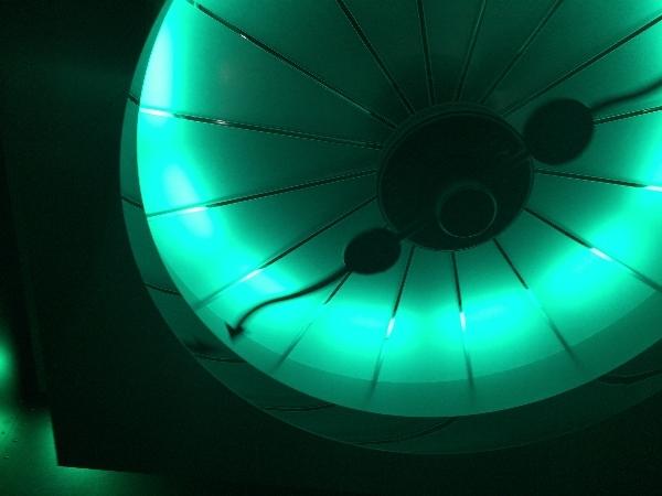 パークフロントホテルのエレベーターの照明