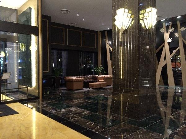 パークフロントホテルのロビー