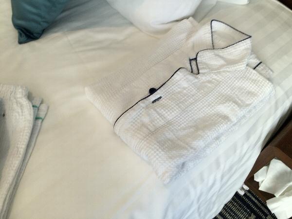 大人用のパジャマ