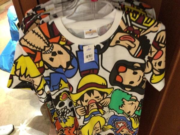 ワンピースのグッズ:Tシャツ