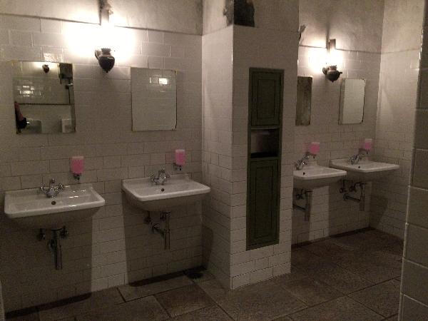 USJのハリーポッターエリアのトイレ
