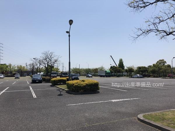 戸田川緑地駐車場